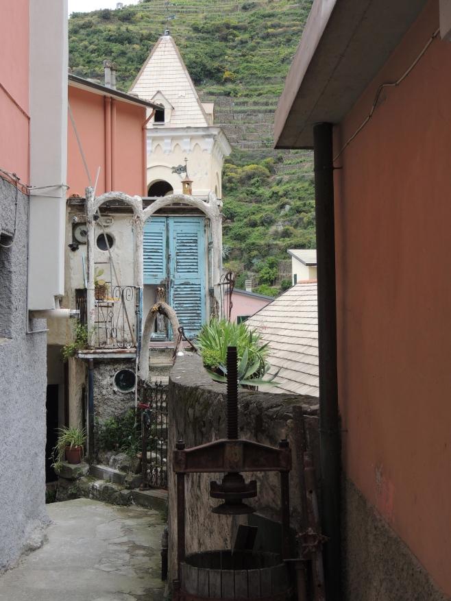 The walk to our apartment at La Toretta