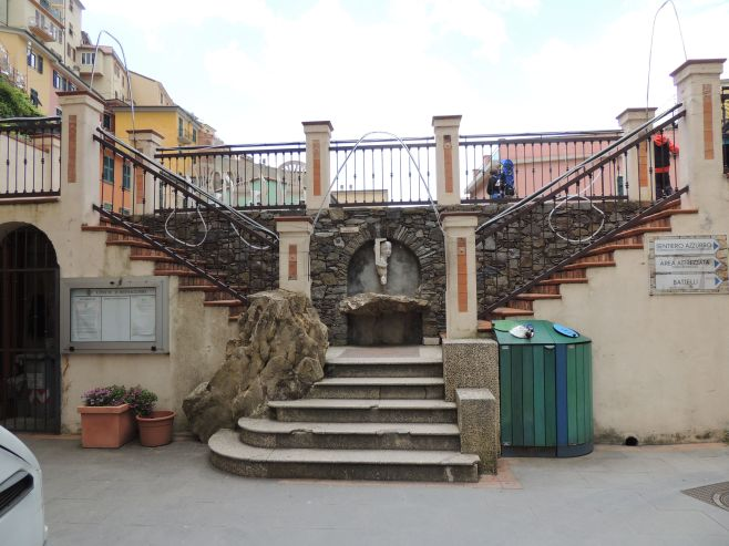 Steps to Middle Piazza, Manarola