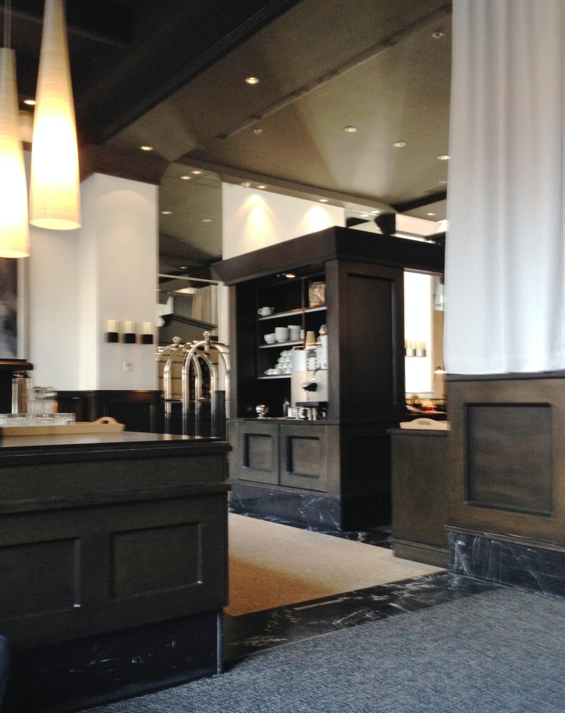 Le Cafe Station at the Germain-Dominion Hotel