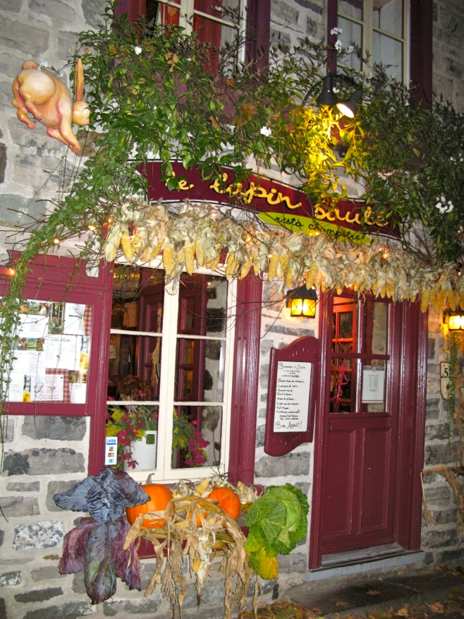 Le Lapin at Night
