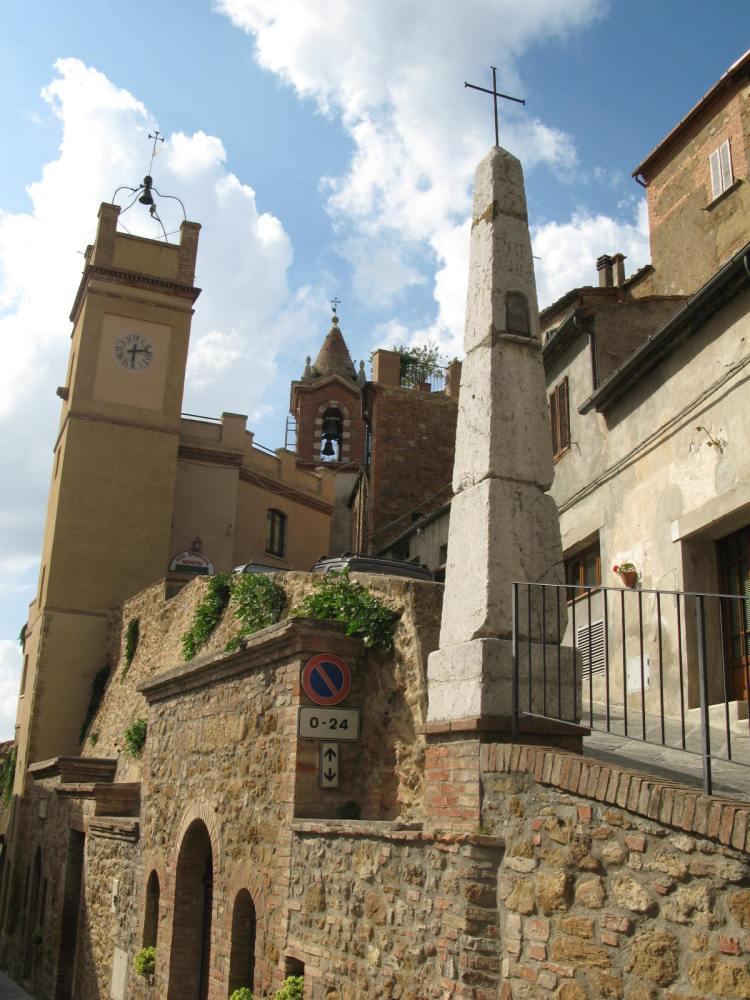 Traipsing Through Tuscany- Montisi (3/6)