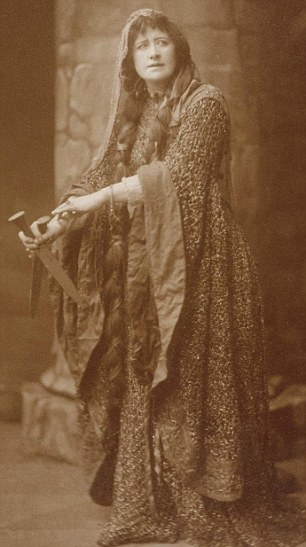 Ellen Terry in Costume