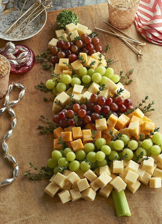 Christmas Tree Cheeseboard